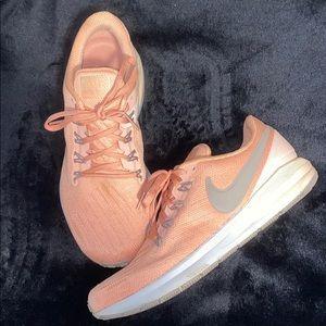 Like new nike zoom sneakers